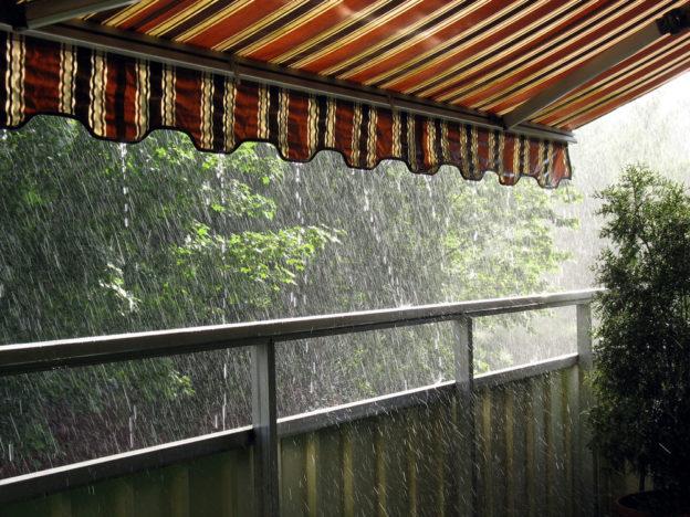 Tende Da Esterno Per Pioggia E Vento.Tende Da Sole Resistenti A Vento E Pioggia Guida Alla Scelta